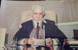 Diretor da FESMP-MT presta homenagem ao pai e procurador de Justiça aposentado por aniversário