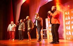 Artistas se unem no palco do Teatro Zulmira Canavarros para homenagear a capital no espetáculo 'Cuiabá Acappella'