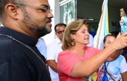 Prefeita recebe visita da bandeira em comemoração aos 152 anos de Nossa Senhora da Guia