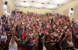 Professores mantêm greve em Mato Grosso e alegam estar à espera do governo