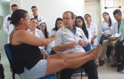 Cerca de 300 profissionais da saúde são capacitados para diagnóstico da hanseníase