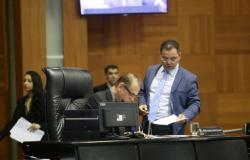 Botelho convoca sessão extraordinária na sexta à noite para votar Previdência e contas de Taques