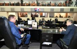 Botelho retoma sessões, destaca economia do Parlamento e anuncia votação de vetos