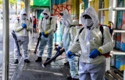 Técnicos são capacitados para ajudar no trabalho desinfecção
