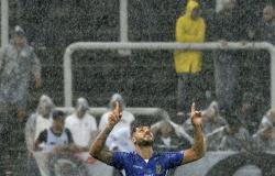 Proposta da Fifa de renovação automática de contratos não valerá para campeonatos estaduais do Brasil