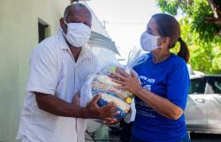 Pacientes de hemodiálise recebem cestas básicas arrecadadas pelo Governo de MT