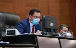 Projetos estabelecem normas para combate ao coronavírus