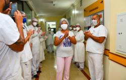 Primeira paciente atendida por Covid-19 do Hospital São Benedito recebe alta