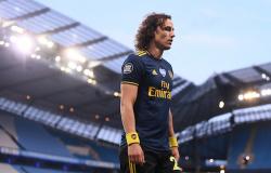 David Luiz faz partida desastrosa na derrota do Arsenal para o City