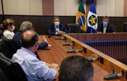 Governo e prefeitura de Várzea Grande alinham ações para frear avanço do coronavírus