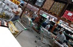 Cidade de MT proíbe até venda de bebidas alcoólicas; mercados retiram produtos