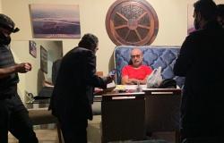 'Avisa a mãe, avisa o pessoal', disse Queiroz a uma das filhas ao telefone após ser preso em SP