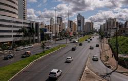 Prefeitura libera eventos e proíbe funcionamento de cinemas e teatros em Cuiabá