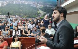 Emanuelzinho lidera pesquisa em VG com 27,4% das intenções de voto; Kalil tem 23,5%