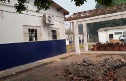 Deputado Claudinei garante reforma em escola de Várzea Grande