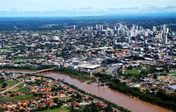 Horário de funcionamento de comércio e serviços não essenciais em Várzea Grande volta ao normal após novo decreto