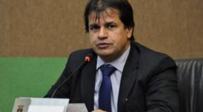 """Adevair Cabral tenta 4º mandato na Câmara de Cuiabá, e comprava estar """"quite"""" com a Justiça Eleitora"""