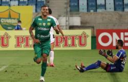 Cuiabá vence o Botafogo-SP e entra no G-4 da série B