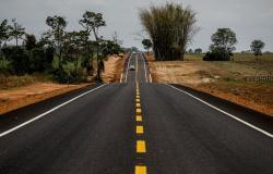 Governo entregou 64 obras de pavimentação, restauração e pontes em todas as regiões de MT