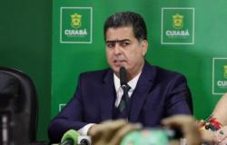 Emanuel anuncia que vacinação contra Covid em Cuiabá começa na quarta-feira