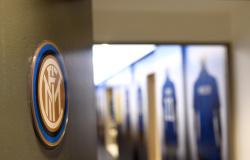 Inter de Milão vai mudar escudo em março, diz jornal