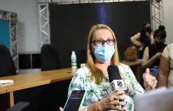 Secretária diz que retorno às aulas precisa de aval da Saúde
