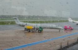 Avião da FAB com pacientes de Manaus pousou em Cuiabá sem intercorrências