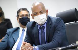 Juca convoca extraordinária para aprovar compra de vacinas pela Prefeitura de Cuiabá