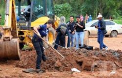 Polícia acha corpo e procura outro no 'campo da maconha'