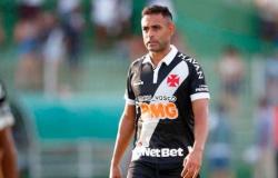 Vasco viajará de ônibus para duelo contra o Tombense; cinco jogadores se reapresentam e treinam à parte