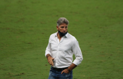 Grêmio confirma que Renato testou positivo para Covid-19, e técnico inicia isolamento
