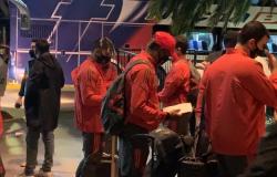 Flamengo desembarca em Buenos Aires para estreia na Libertadores contra o Vélez Sarsfield
