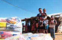 Primeira-dama entrega 300 cestas básicas a etnias indígenas de Primavera do Leste e Poxoréu