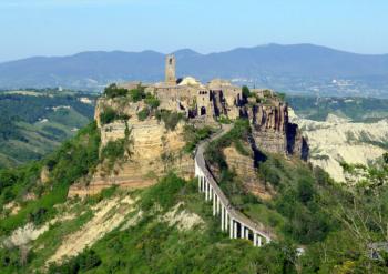 Civita di Bagnoregio: uma atração turística luta para manter-se viva. Crédito: Pikrepo