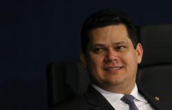 Alcolumbre pede ao Senado reembolso de R$ 513 mil gastos em 2020