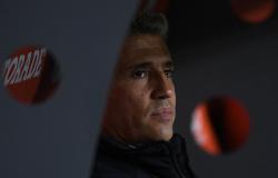 """Crespo admite atuação ruim do São Paulo, mas valoriza entrega: """"É Libertadores, tem que lutar"""""""