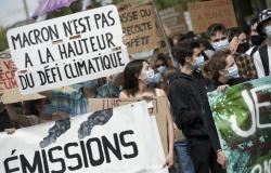 Dezenas de milhares se manifestam na França para exigir mais ação diante da luta climática