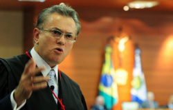 TJ suspende multa de juiz em advogado por ignorar audiência em MT
