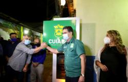 Pinheiro e autoridades comemoram resgate da cuiabania e recuperação do Centro Histórico com entrega do Beco do Candeeiro