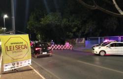 Vinte e oito são presos por embriaguez ao volante em operações Lei Seca no fim de semana