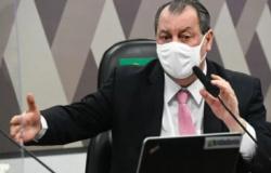 Aziz divulga novo calendário da CPI convocando Queiroga a depor de novo na terça