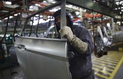 Indústria mantém crescimento durante piora da pandemia