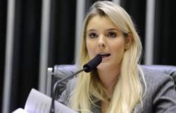PTB expulsa deputada por suposta gravação para Globo; parlamentar nega ato