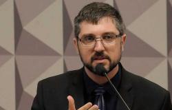 Delegado da PF que fez buscas contra Salles perde cargo de chefia na PF