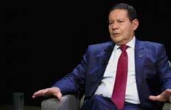 Mourão: Maior erro do governo foi não ter feito campanha firme sobre a Covid