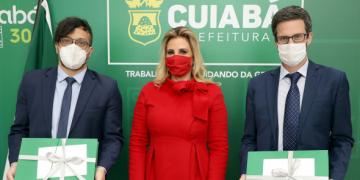Primeira-dama recebe cônsul argentino para tratar de violência doméstica