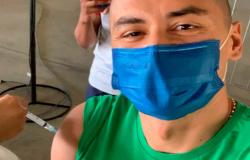 Wellington Paulista se vacina contra a Covid-19 e Fortaleza comemora: 'Mais um golaço'