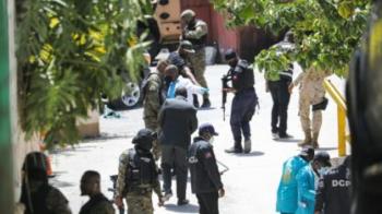 Haiti prende suspeitos de assassinato de presidente e busca foragidos