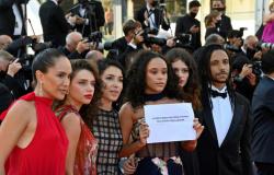 Diretora e elenco de 'Medusa' denunciam em Cannes a crise de saúde no Brasil