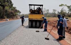 Governador vistoria obras de infraestrutura e entrega cestas básicas em Porto dos Gaúchos e Tabaporã
